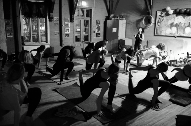yoga at herosalen