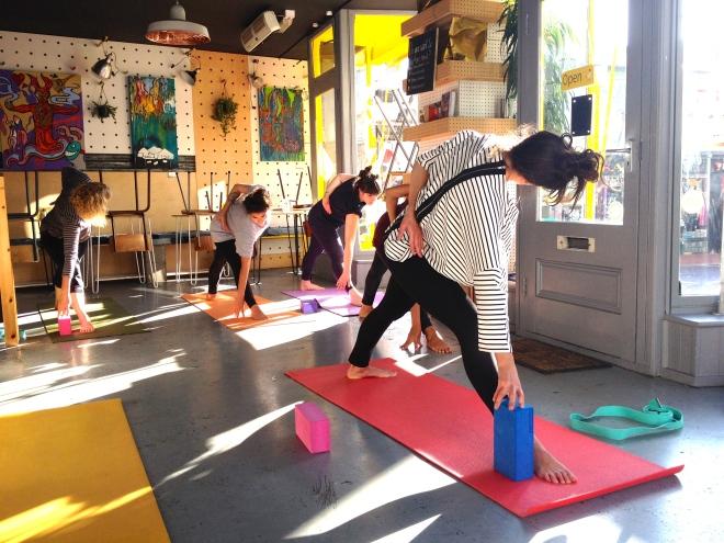 Yoga at Hen